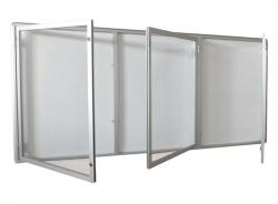Trzyskrzydłowa szklana gablota informacyjna zewnętrzna